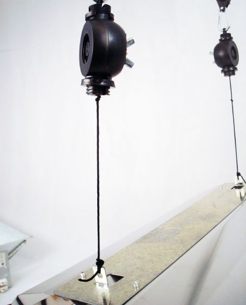 13. Suspension devise for the reflector Easy Rollers (pulleys)